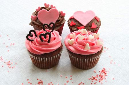 تزیین کیک و شیرینی مخصوص ولنتاین