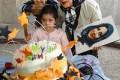 عکس جشن تولد مرجانه گلچین در پشت صحنه سریال شاهگوش