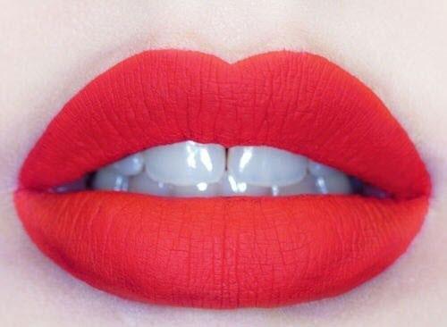عکس های مدل آرایش لب با رژ قرمز