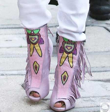 اخبار,اخبار فرهنگی,کفش های عجیب جنیفرلوپز,تصاویری از کفش های عجیب جنیفر لوپز