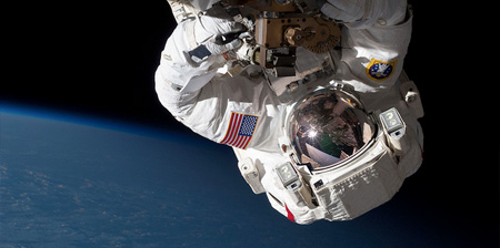 عکس فضانوردان واقعی شبیه به فیلم جاذبه