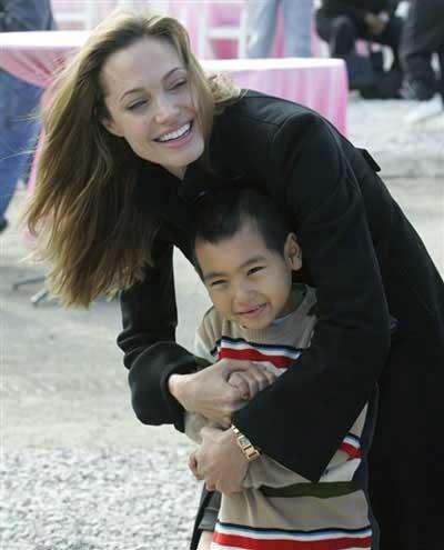 عکس های خانوده آنجلینا جولی و برد پیت در یک روز!