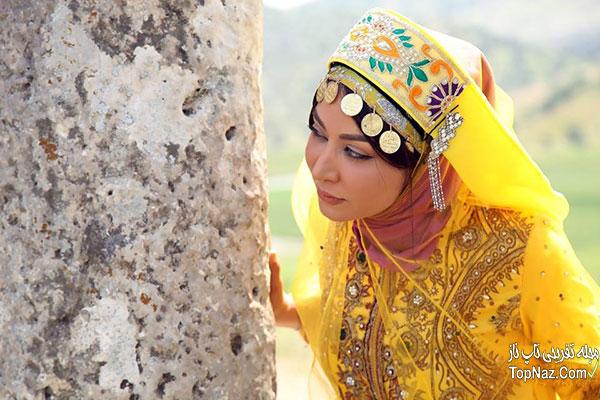 فقیهه سلطانی با لباس محلی