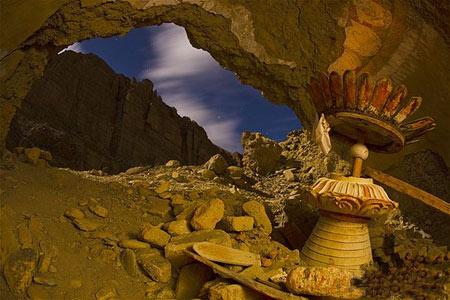 کوههای هیمالیا,غارهای موستانگ,غارهای موستانگ در کوههای هیمالیا
