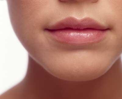 تهیه اسکراب لب و بهداشت لب + روشهای برای خوش رنگ کردن لب