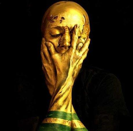 هنرنمایی جالب زن مخصوص جام جهانی 2014
