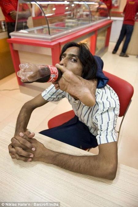 این مرد نرم ترین بدن دنیا را دارد
