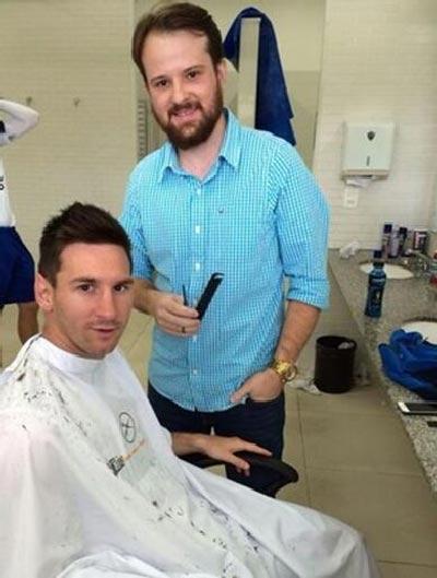 عکس مسی در آرایشگاه قبل از بازی با ایران!