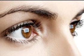 10 کار که باعث ضعیف شدن چشم می شود