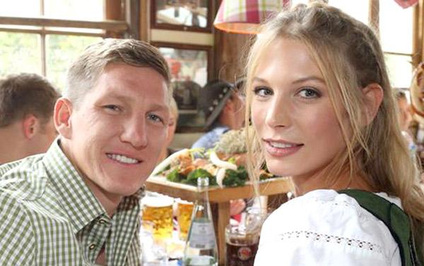 عکس همسران و نامزدان فوتبالیست های معروف