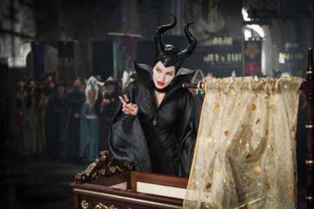 فیلم خبیث آنجلینا جولی سینماهای آمریکا را فرا گرفت