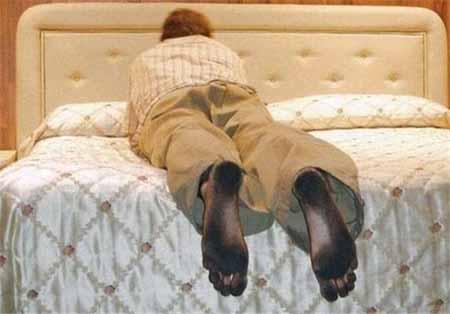 پاهای این مرد شبیه به کفش شده