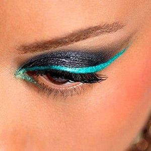 آرایش چشم با خط چشم رنگی