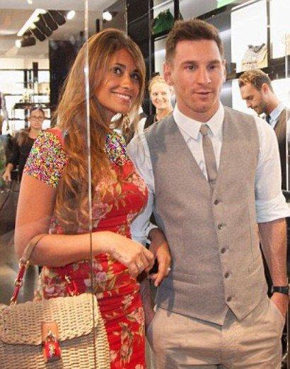 لیونل مسی و همسرش