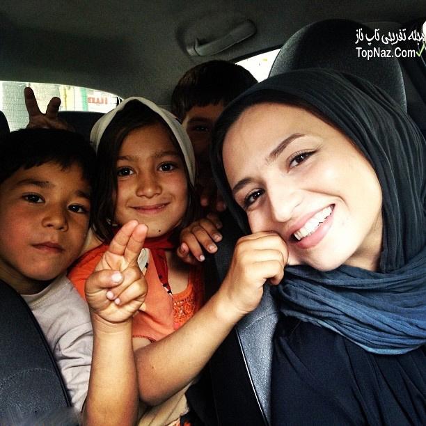 گلاره عباسی در کنار کودکان کار
