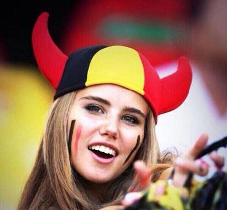زیباترین ختر تماشاچی جام جهانی انتخاب شد