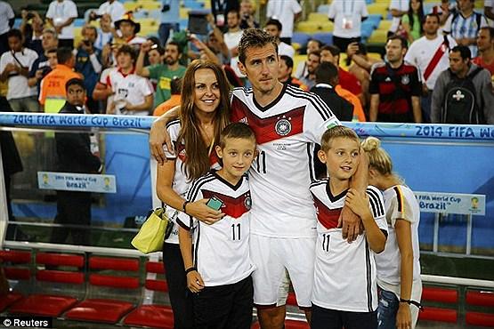 میرسلاو کلوزه در کنار خانواده