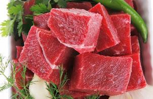 مصرف زیاد گوشت  باعث قاعدگی زودرس دختران می شود!