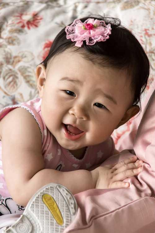 کودکان و نوزادان دختر زیبا