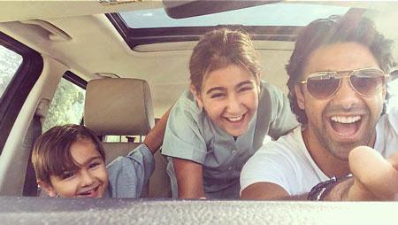 عکس فرهاد مجیدی در کنار دختر و پسرش