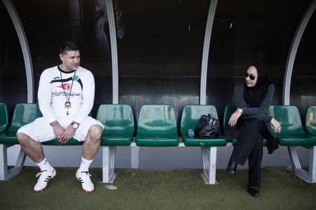 اخبار , اخبار فرهنگی , نیکی کریمی و ستارههای فوتبال
