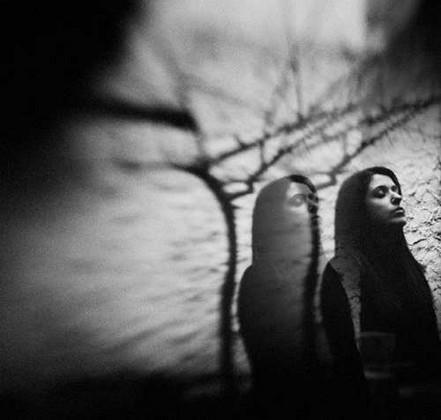 عکس سیاه و سفید دختر