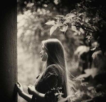 عکس عاشقانه و غمگین دختر