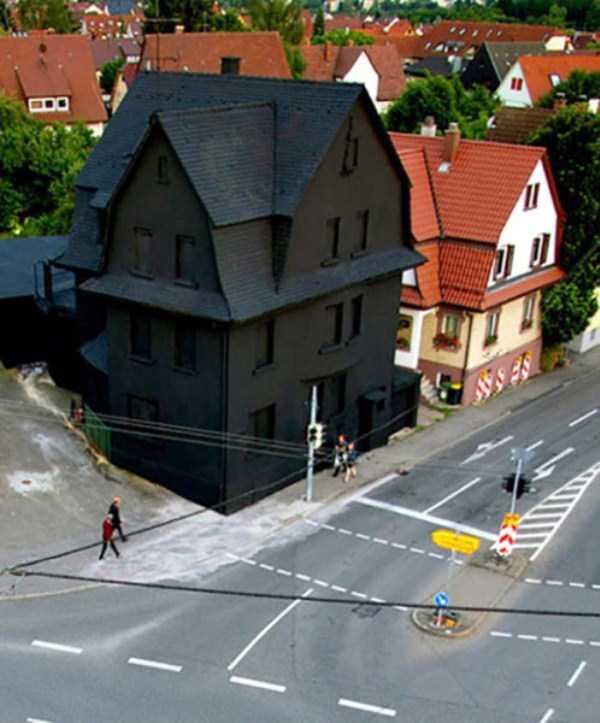 عکس خانه عجیب