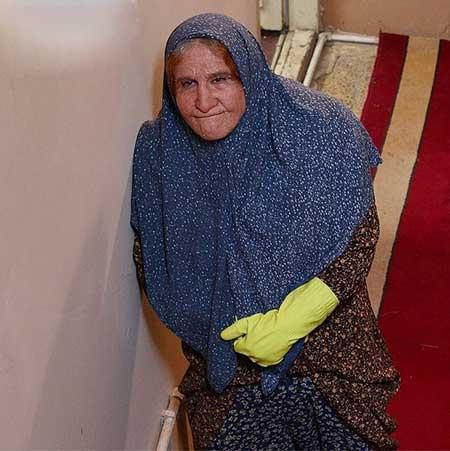 محسن تنابنده در نقش پیرزن