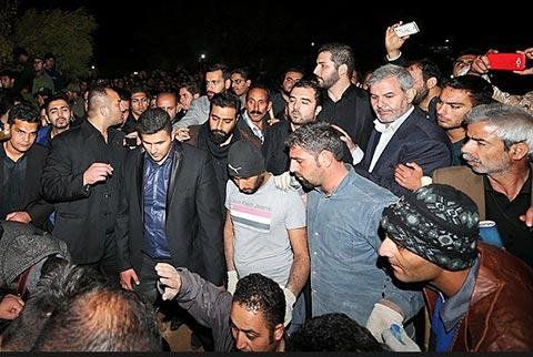 پیکر مرتضی پاشایی شبانه به خاک سپرده شد/ عکس قبر