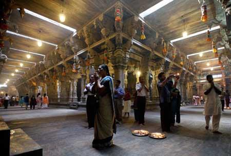 جشنهای هندوان, آداب و رسوم مردم هند
