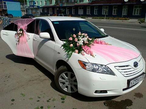 گل آرایی و تزیین ماشین عروس