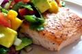 ماهی سالمون کبابی با سالسا
