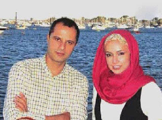 شبنم قلی خانی و همسرش در خارج