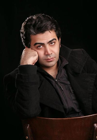 آیا آزاده نامداری ممنوع الفعالیت شده است فرزاد حسنی به دلیل ادعای آزاده نامداری کنار گذاشته می شود؟