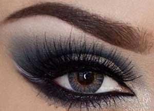 جورجی ارایشگر حرفه ای پیشنهاد آرایشگر حرفه ای برای آرایش چشم دودی