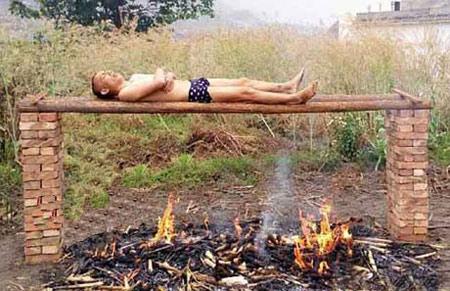 مرد چینی برای درمان سرطان خودش را سوزاند