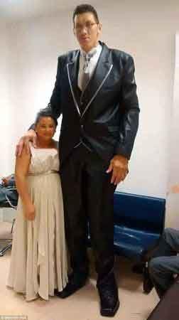 ازدواج مردی با زنی که یک متر از خودش کوتاه تره!