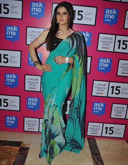 بهترین لباس ها در هفته مد در بالیوود,زرین خان با ساری آبی