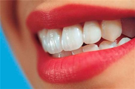 آیا خرابی دندان و لثه روی قلب تاثیر بد می گذارند؟