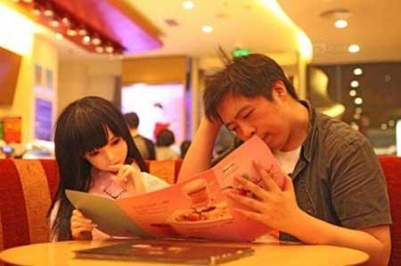 دختر پلاستیکی زندگی مرد چینی را نجات داد