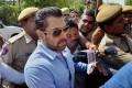 سلمان خان بازیگر هندی به دلیل قتل زندانی شد!