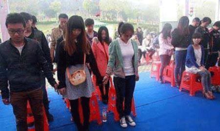 اقدام شوکه کننده و عجیب دختر چینی 22 ساله