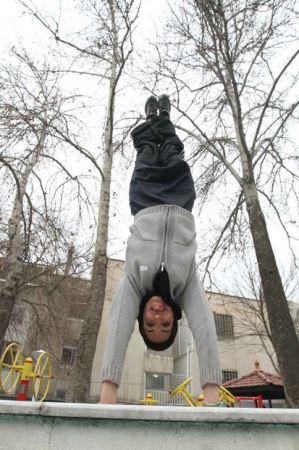سقوط آزاد دختر ایرانی پرنده