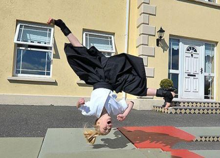 این دختر اعجوبه ورزش رزمی ووشو است