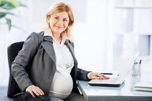 عوارض و مشکلات باداری در سن بالا برای مادر و فرزند