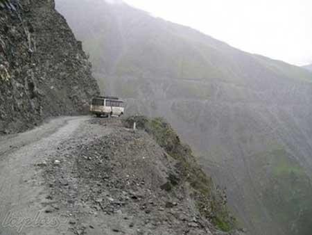 مرگبارترین جاده جهان