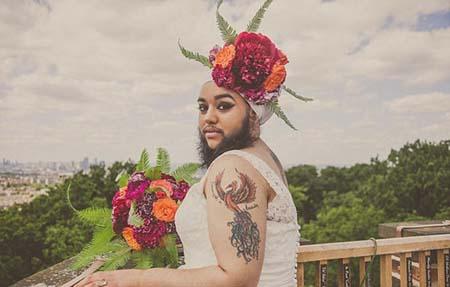 عکس های زنی غیر معمولی با لباس عروس و ریش بلند!