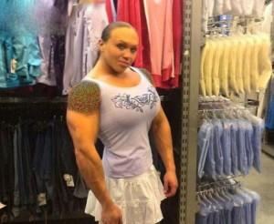 دختری با بدن عضلانی و هیکل مردانه