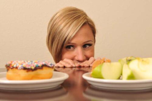 چرا مدام احساس گرسنگی می کنم و سیر نمی شوم؟
